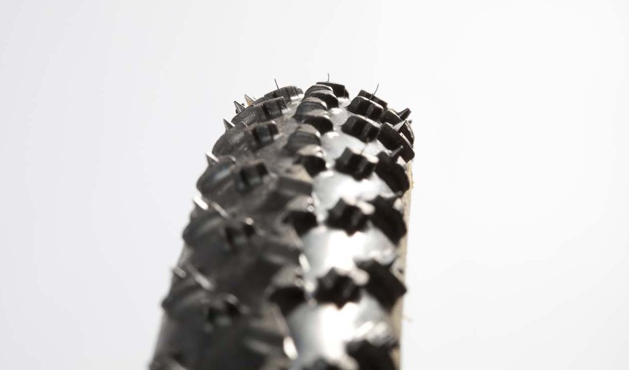 The spikes give the Rhino tread a little extra bite. © Jeroenn Nieuwhuis