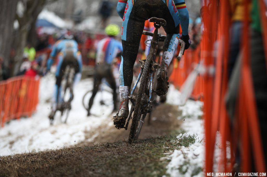 Chasing hard in the Elite U23 World Championships of Cyclocross 2013 © Meg McMahon