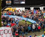The crowd at Elite Women UCI Cyclocross World Championships. © Thomas Van Bracht