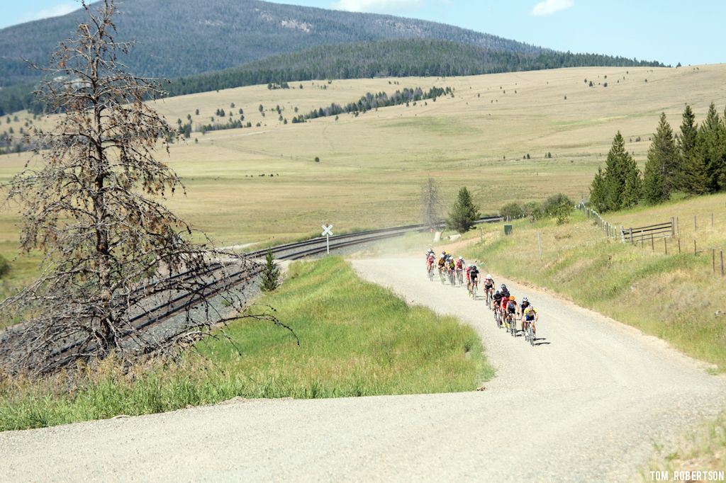 The dirt roads around Montana offer relatively car free riding. © Tom Robertson