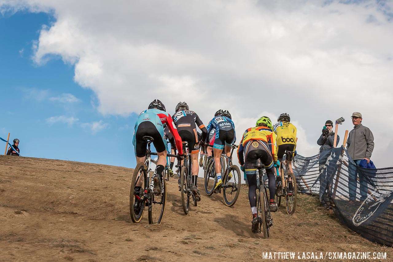 cyclocross-group-climb-cxmagazine-boulder-2014-junior-men-mlasalain the Junior 17-18 race at US Nationals 2014. © Matt Lasala