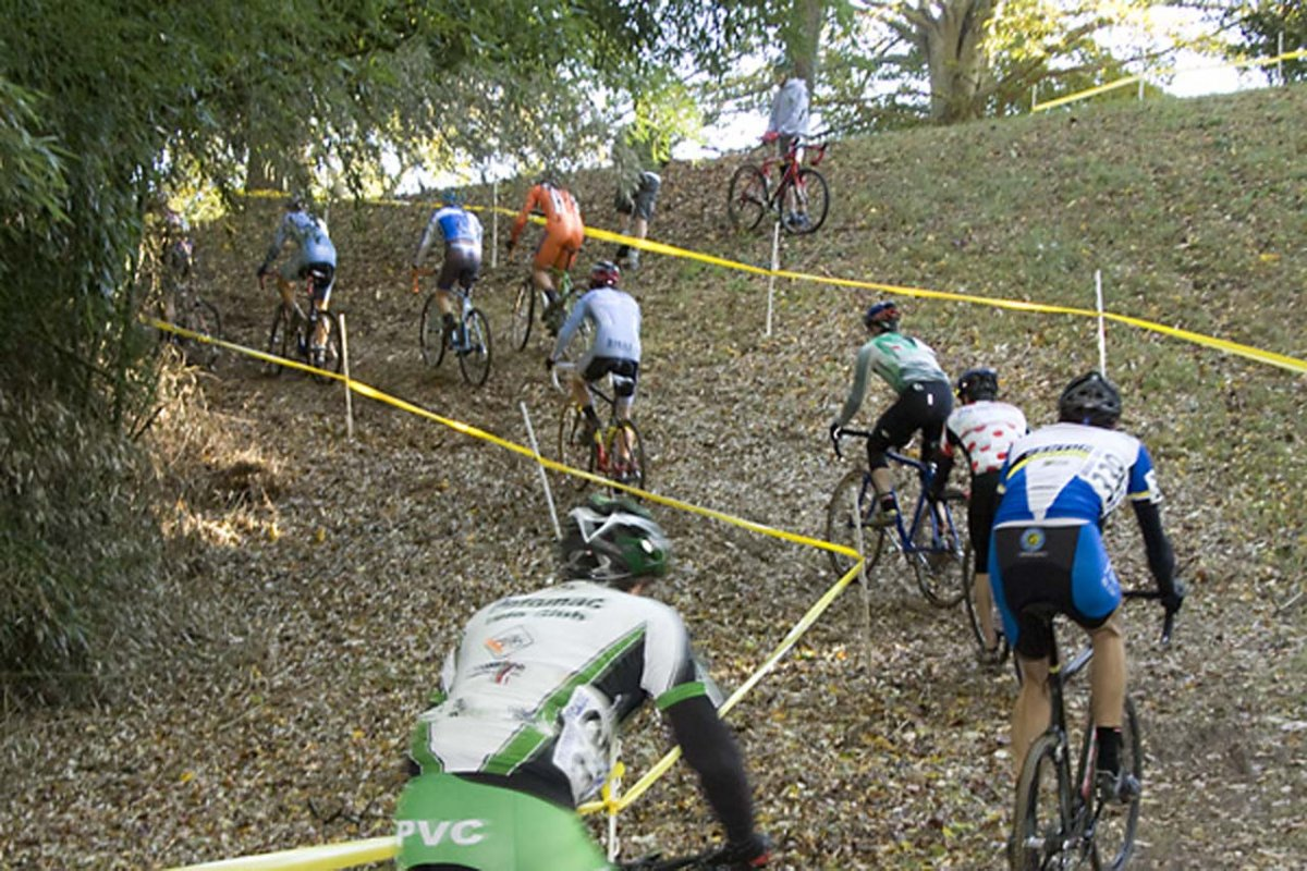 The climb hidden in the woods was rideable this year. © Dennis Smith/dennisbike.com