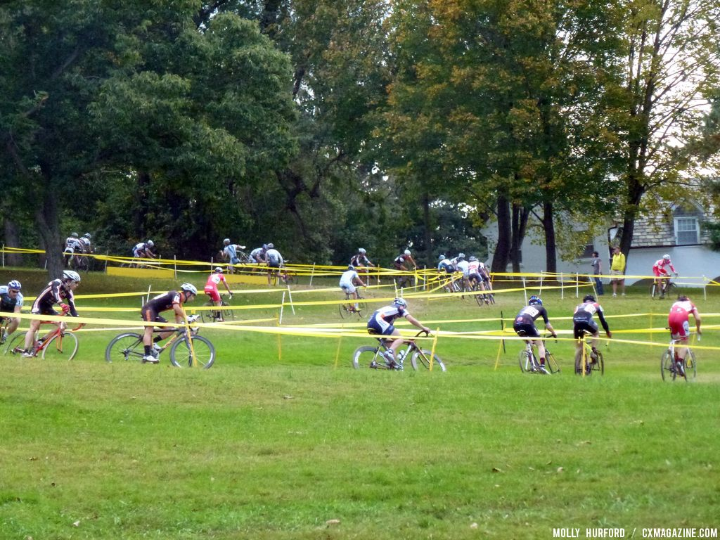 Heading to the barriers. © Cyclocross Magazine