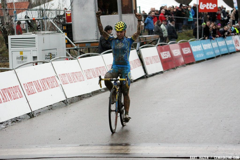 Van den Brand takes the win  © Bart Hazen