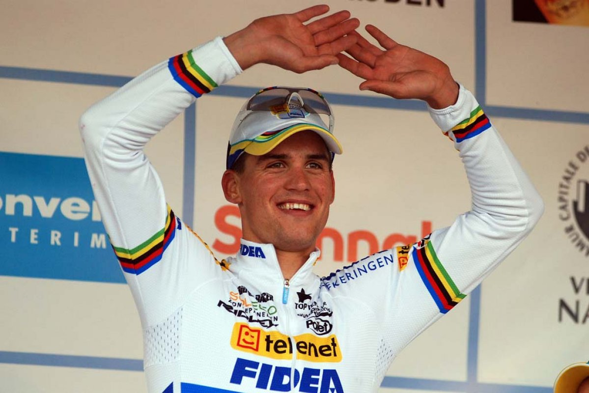 Stybar donned a clean jersey for the podium ceremony. © Bart Hazen