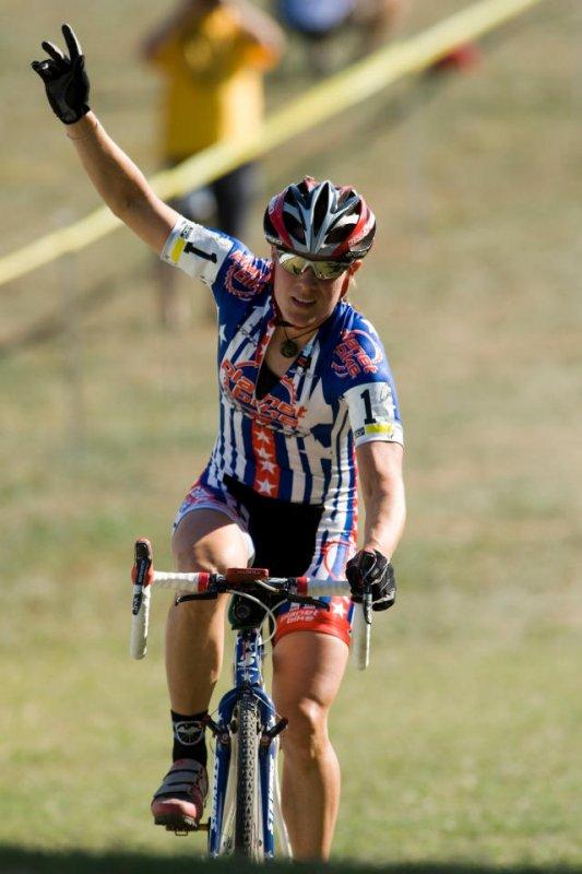 Compton wins her 45th UCI race © Greg Sailor