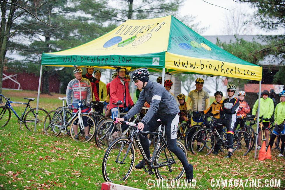 Powers shows off while riders stay dry at the Harbin Park Cyclocross Clinic © VeloVivid