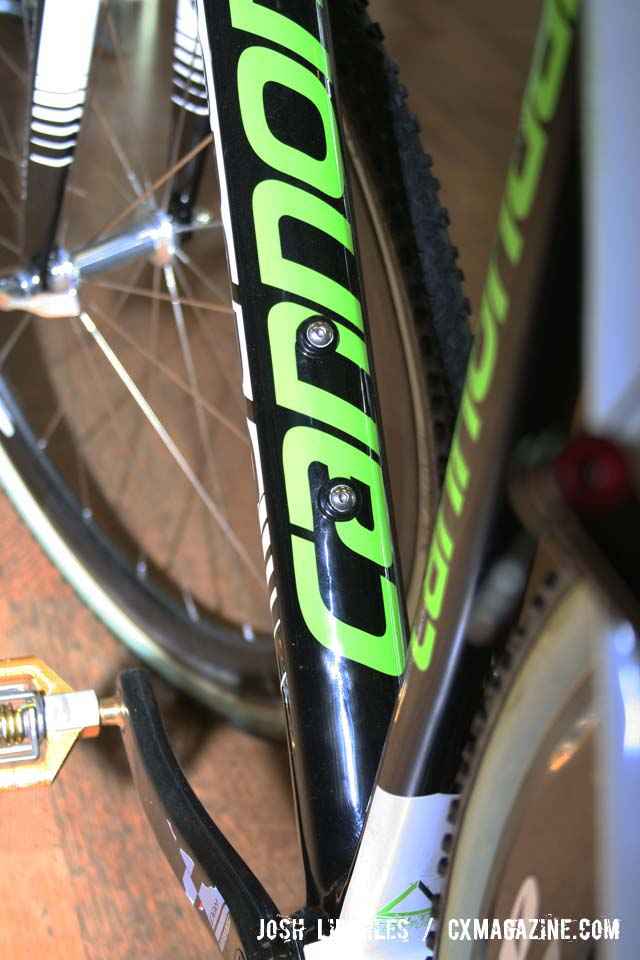Powers\' Cannondale SuperX also enjoys a beefy down tube and bottle bosses ©Josh Liberles