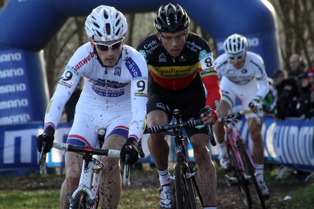 Pauwels leads with Nys chasing. ©Bart Hazen