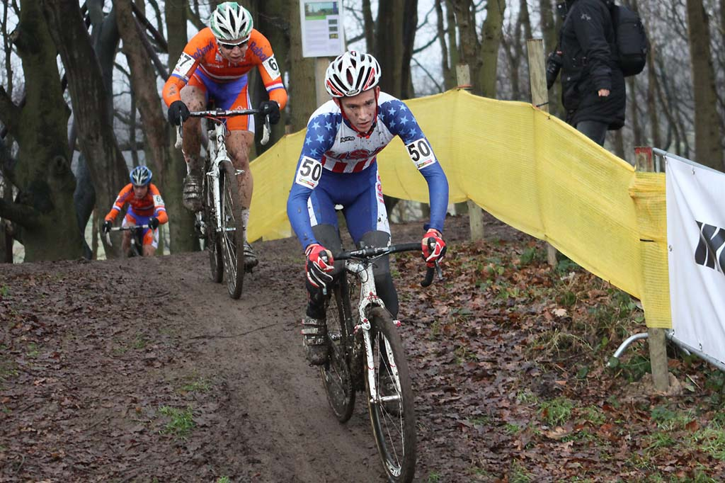 Andrew Dillmann stays on track in Hoogerheide. © Bart Hazen