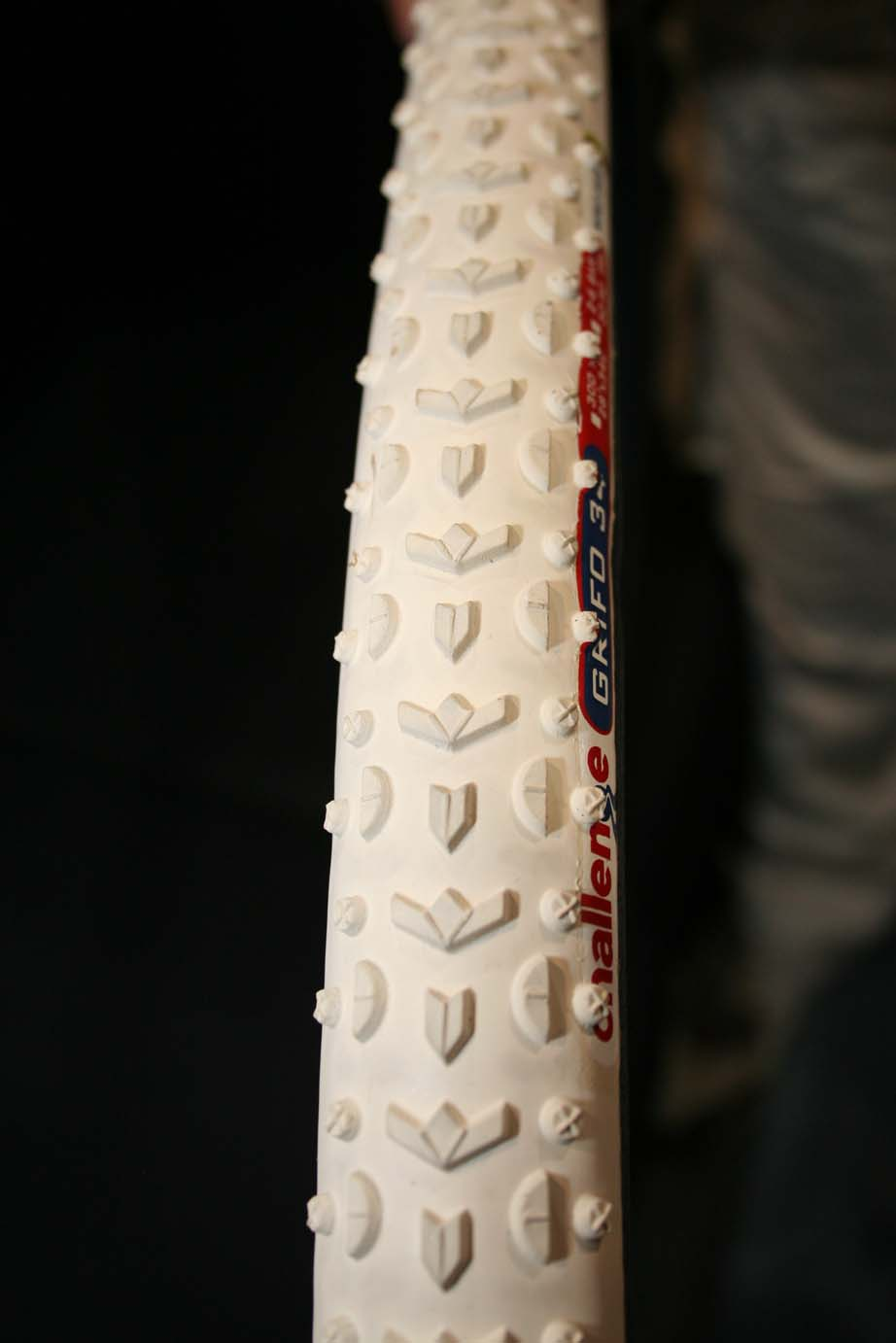 The new white Grifo tubular as ridden by Parbo and Vervecken.