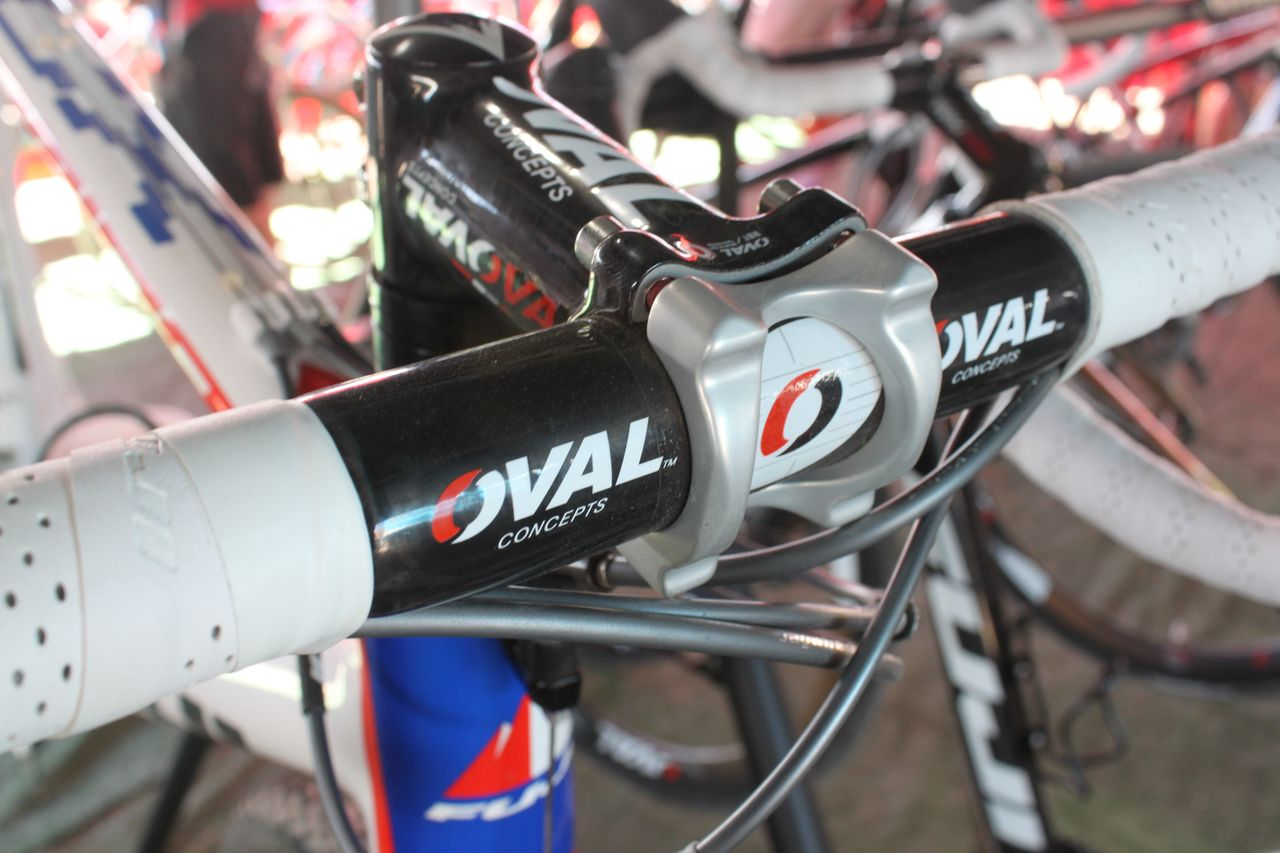 Fuji\'s parent company bought Oval Concepts a year ago and has since utilized the components throughout its high-end line. Cyclocross @ Interbike 2010. © Cyclocross Magazine
