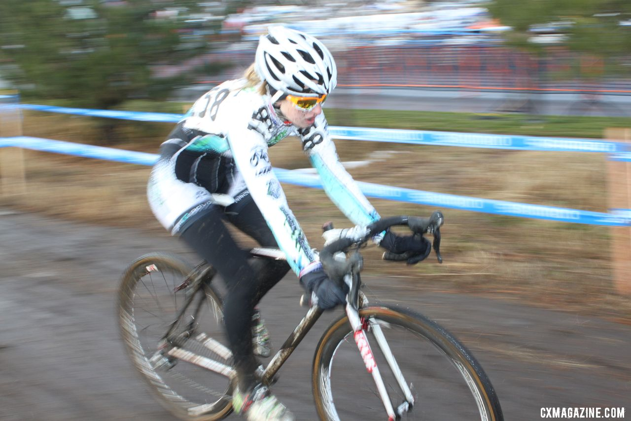 Alexis Ryan takes the 17-18 title. © Cyclocross Magazine