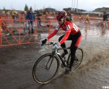 Sarah Huang looked to be in control before Corrie Osborne caught her. © Cyclocross Magazine