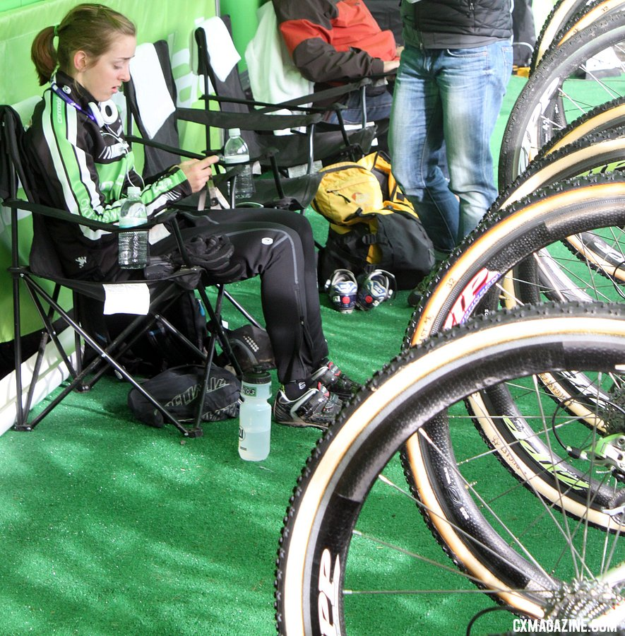 Kaitlin Antonneau fine tuning her tunes before her U23 race in Bend. © Cyclocross Magazine