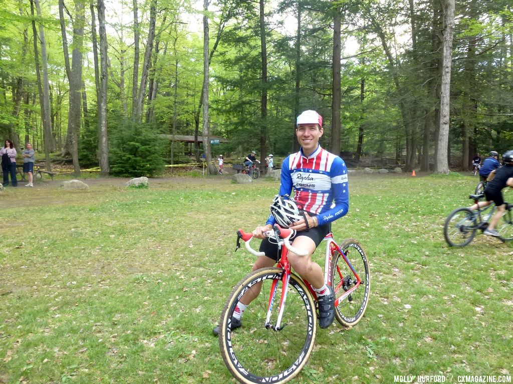 Powers takes a break © Cyclocross Magazine