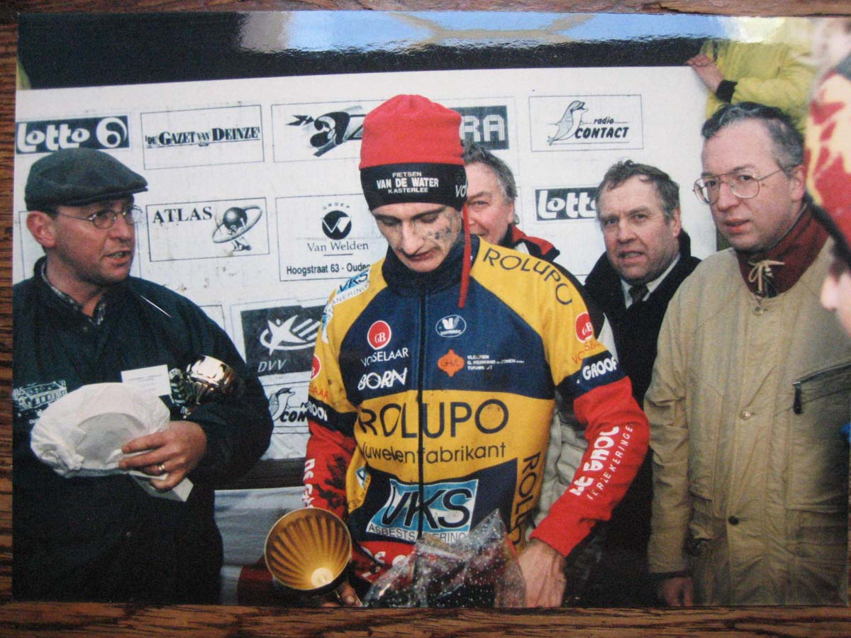 Bart Wellens celebrating his victory. photo: courtesy