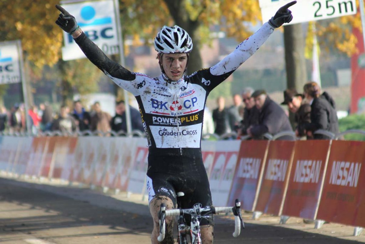 Danny Van Poppel takes the junior win on the Koppenberg. © Bart Hazen