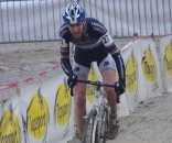 A mechanical took former World Champion Erwin Vervecken out of the running in his home-town race.  Photo courtesy of Christine Vardaros.