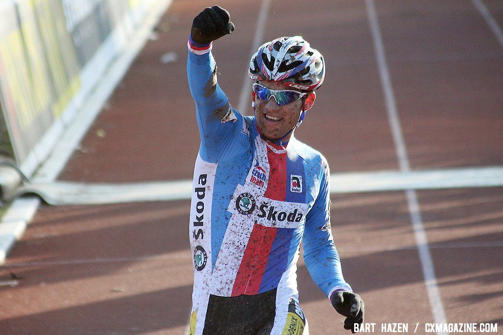 Zdenek Stybar takes his second Elite Men\'s Cyclocross World Championship title in a row.
