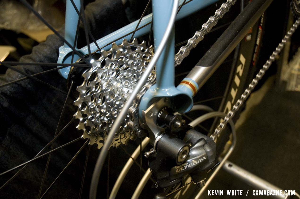 The rear dropouts and replaceable derailleur hanger show off the level of finishing done on the bike. © Kevin White