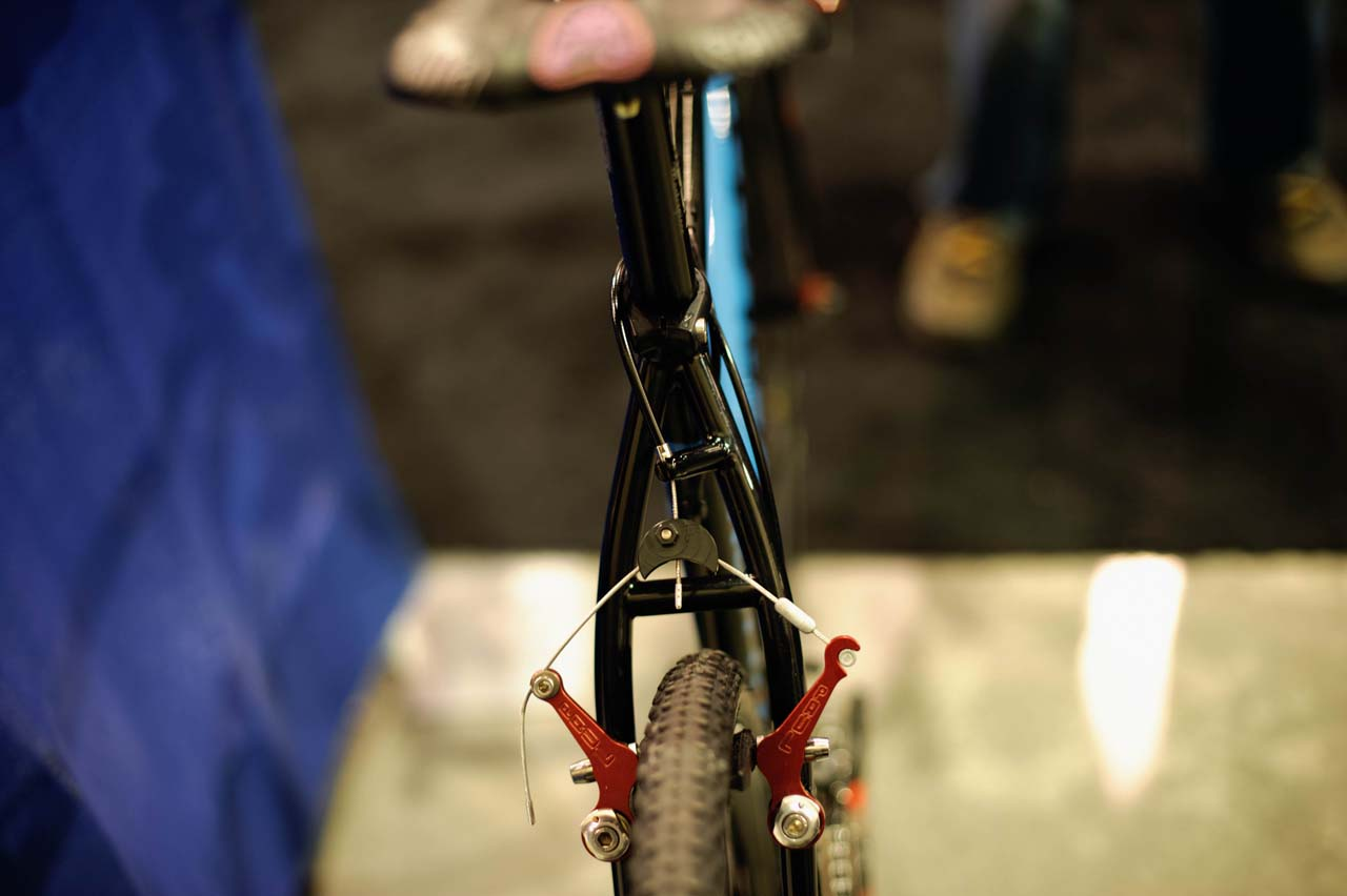 Caletti Cycles\' \'cross rig features a minimalist cable routing solution. ? Bill Schieken/www.cxhairs.com
