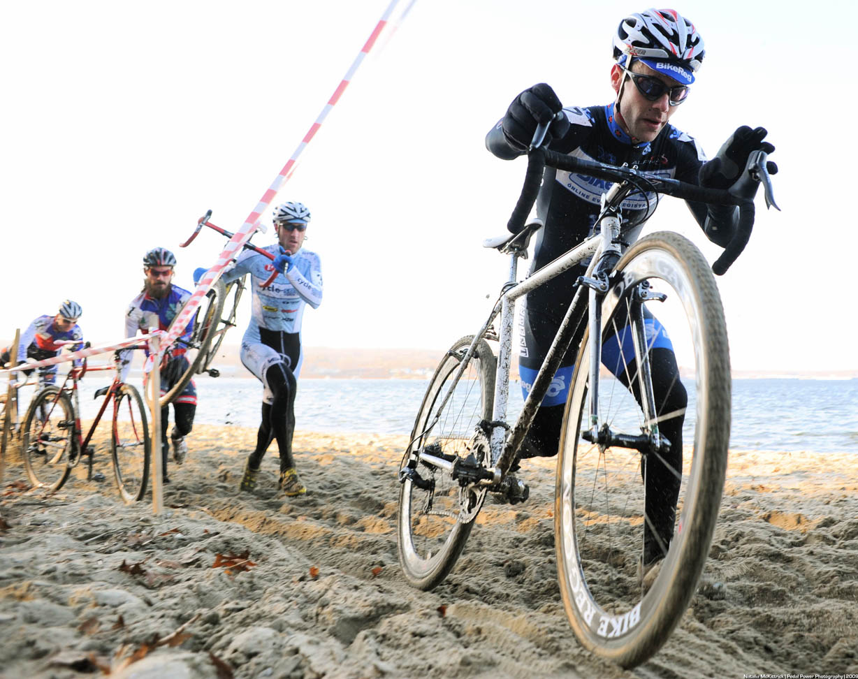 Lindine leads sand run ? Natalia McKittrick | Pedal Power Photography | 2009