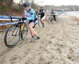 Laura Van Gilder leads in teh sand. © Natalia Boltukhova | Pedal Power Photography