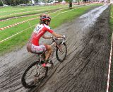 Lea Davidson rolls through the mud. ©  Jeff Bramhall