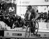 Sven Nys bunnyhops the planks in Tabor Part 4 ? Joe Sales