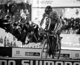 Sven Nys bunnyhops the planks in Tabor Part 5 ? Joe Sales