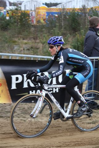 Christine Vardaros racing in Oostmalle. ? Dirk Verhelst