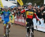 Aernouts takes the win with Lars van der Haar close behind. ? Bart Hazen