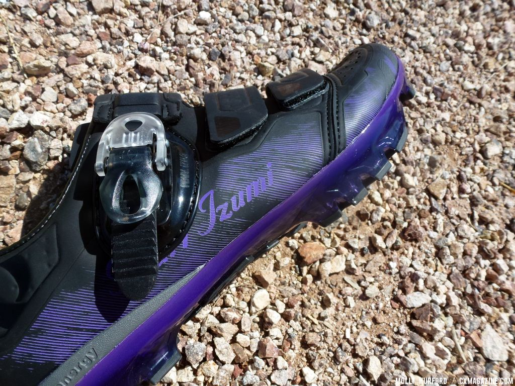 A close-up of the women\'s shoe. © Cyclocross Magazine