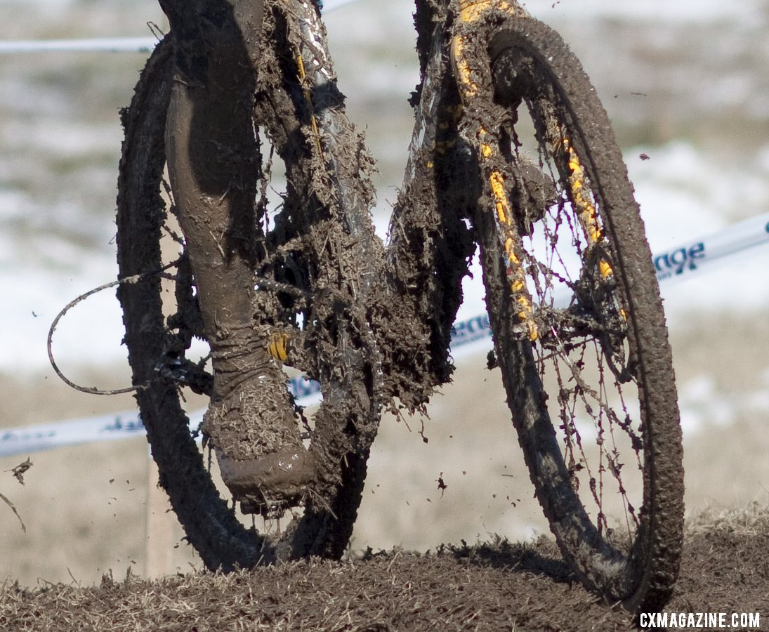 Power Washers wanted: Boulder Cycle Sport\'s mud-covered Ridley. Masters Men 40-44, 2013 Cyclocross World Championships. © Cyclocross Magazine