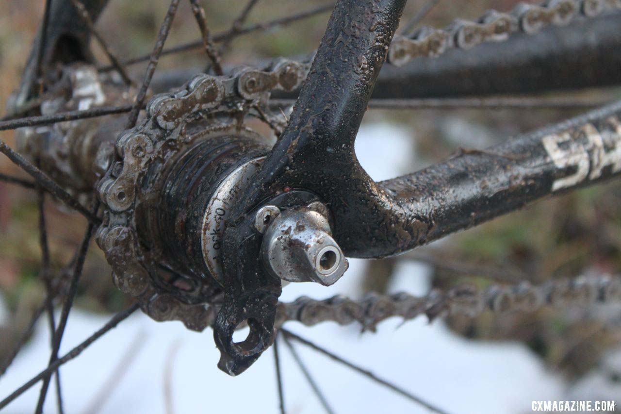 Craig uses a half link to find his magic gear of 42x16 without a tensioner © Cyclocross Magazine