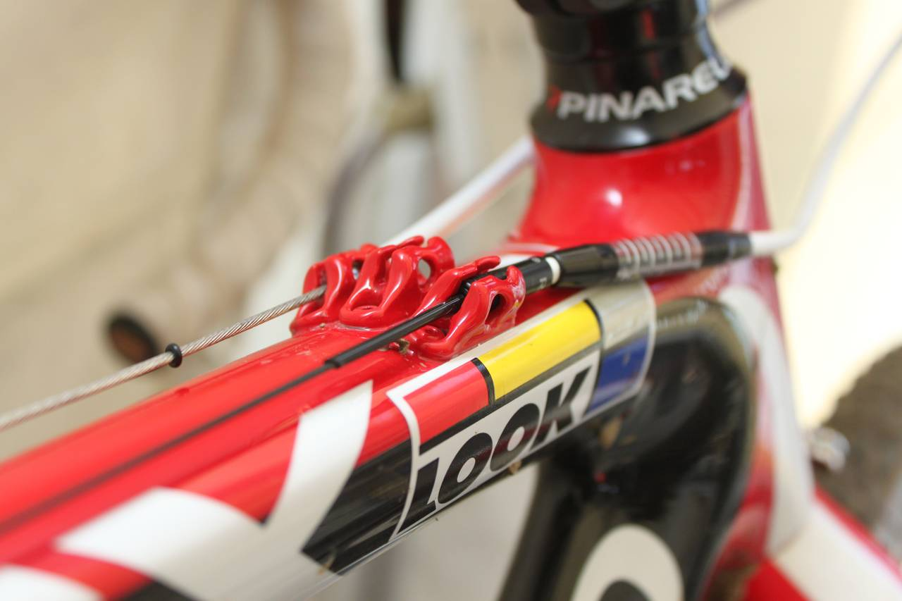 Top routed cables help keep the gears and brakes working. ? Cyclocross Magazine