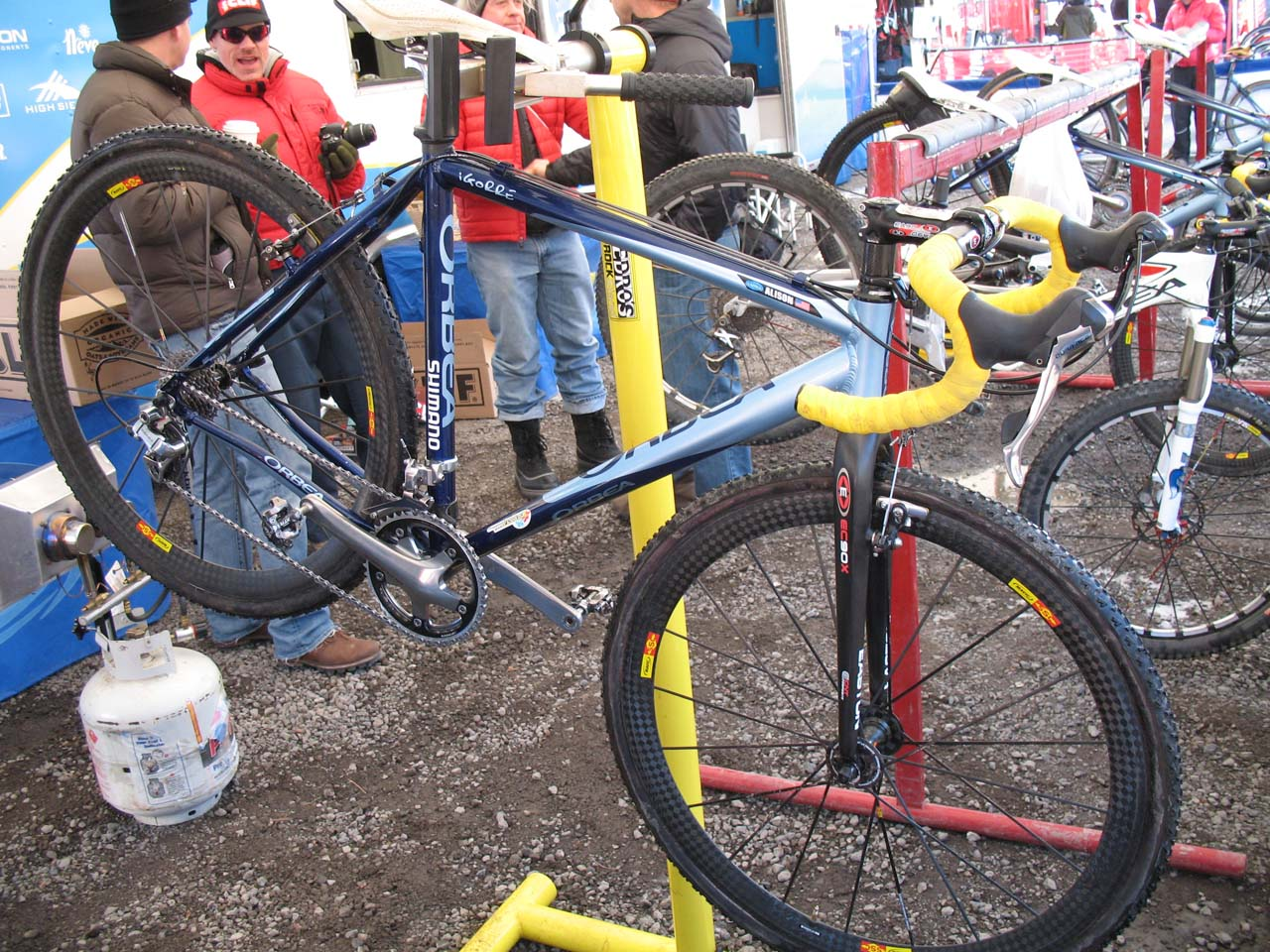 The Orbea\'s bi-ovalized downtube increases strength and stiffness at the head tube and bottom bracket junctions. ? Cyclocross Magazine