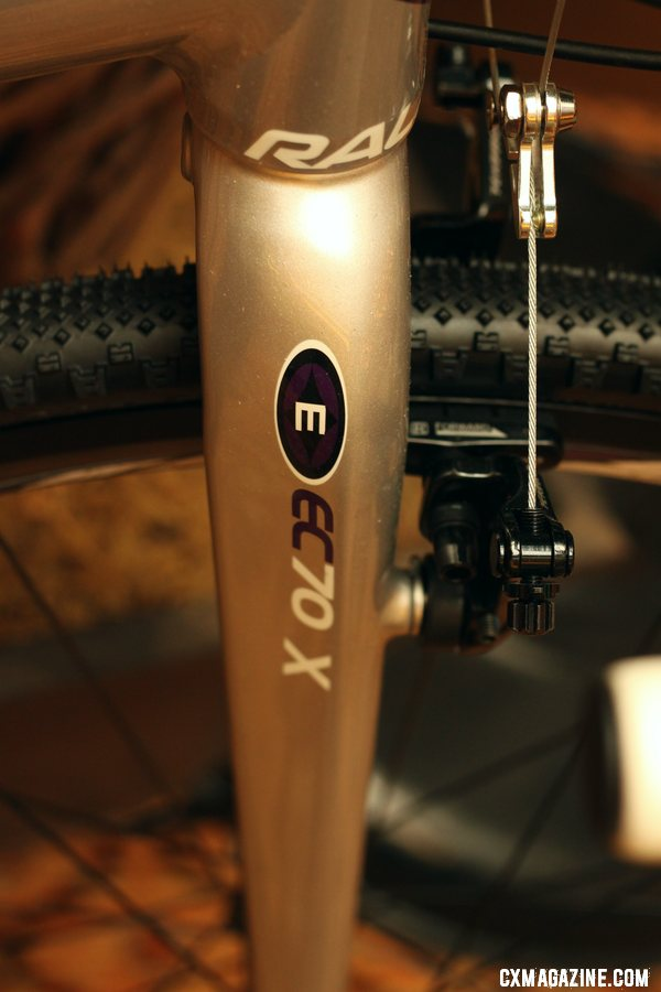 The Easton EC70X carbon cyclocross fork handles steering up front on the RX and RX-W. © Cyclocross Magazine