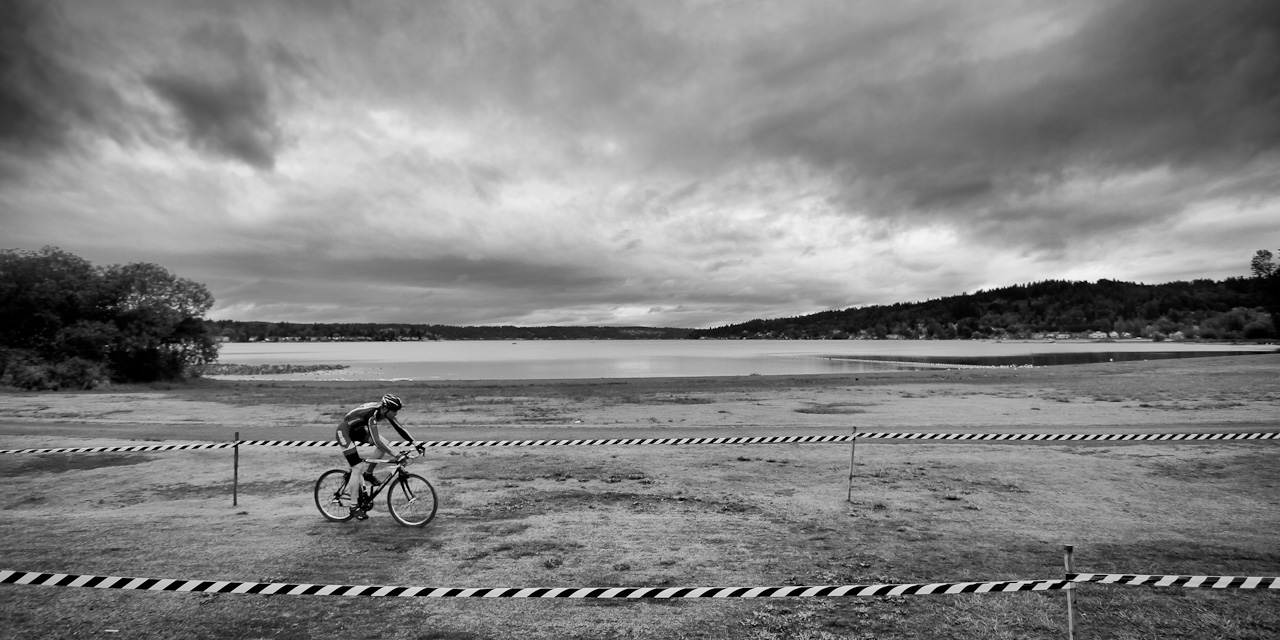 Rapha Focus GP: The course in front of Lake Sammamish. © Doug Brons