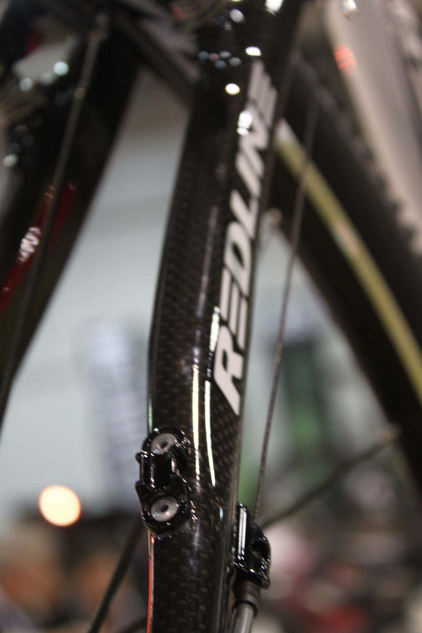 Redline is ready for riders opting to go full rear cable housing. © Cyclocross Magazine