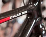 The non-flashy nude carbon finish on the Redline Conquest. © Cyclocross Magazine