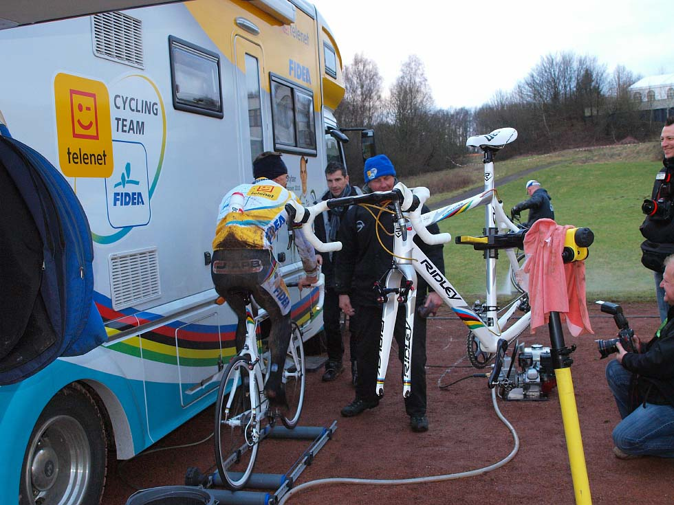 The Telenet-Fidea Cycling Team setup at Sankt-Wendel. © Jonas Bruffaerts