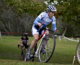 Jen Jordan (Sycomp Racing/Team Affinity) attacks the course. ©Tim Westmore