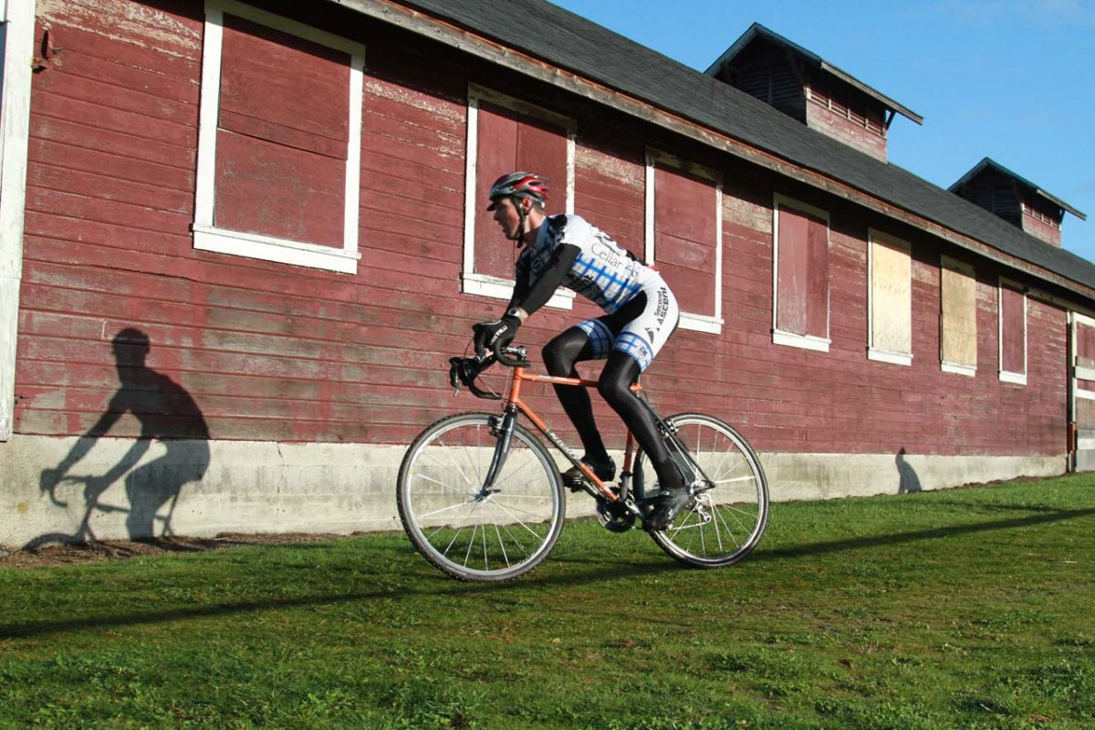 Cyclocross and a barn © Janet Hill