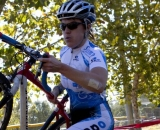Jen Jordan (Sycomp Racing/Team Affinity) negotiates the plank barriers at Harry Renfree FieldSacramento Cyclocross Series