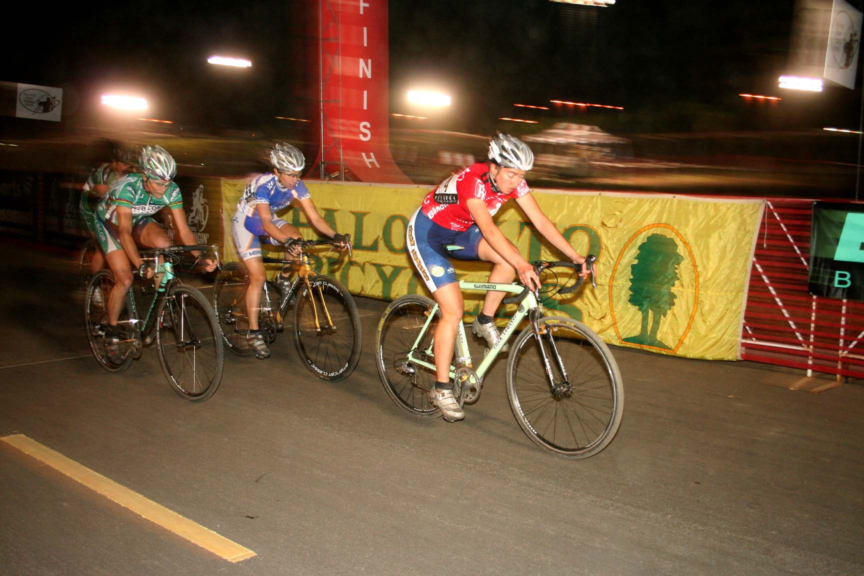 O Dell and Howe Win Bay Area s First Night Race - Cyclocross ... 5c7c68155