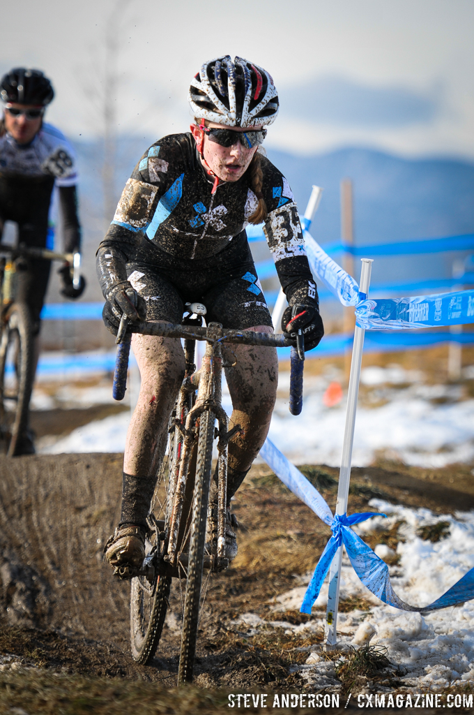 Ellen Noble held on to second place until her chain dropped late in the race. © Steve Anderson