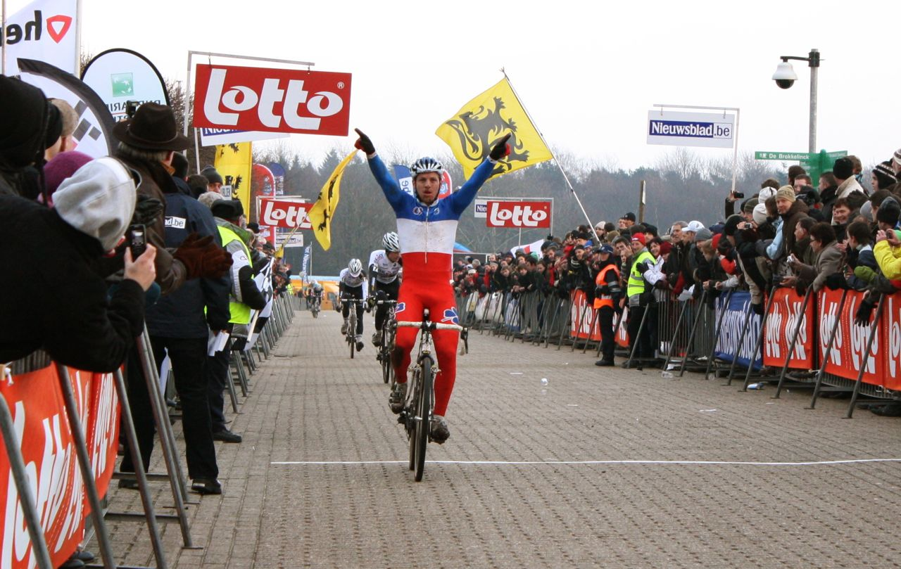 Francis Mourey won despite more than one fall earlier in the race - Sint Niklaas, Belgium, January 2, 2010.  ? Dan Seaton