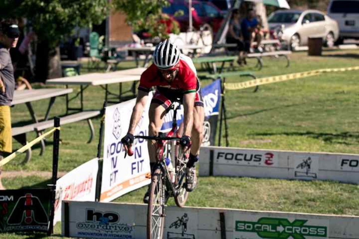 Sid Taberlay Shows his Mountain Bike Skills © Kelly Grief